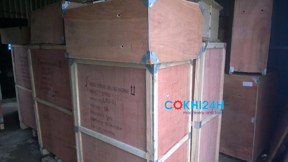 Máy được đóng kiện trong thùng gỗ chắc chắn